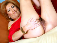 Click here for amateur moms LIVE for your pleasure